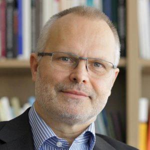 """Prof. Hans Peter Peters (INM-8) im Interview zur Nutzung und dem Nutzen von Medien für Wissenschaftler im Mitarbeitermagazin """"intern"""" 1-2012."""